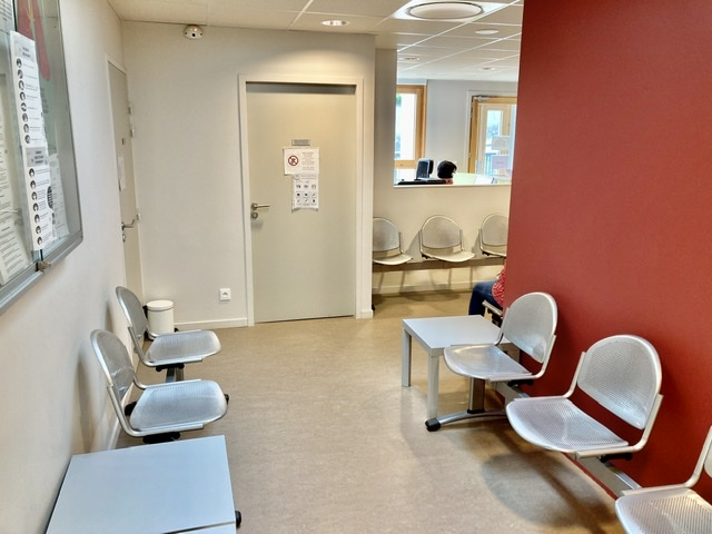 Salle d'attente de la maison de santé de Marennes 69970 Boris Otten Ostéopathe