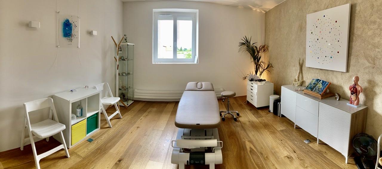 Salle de consultation d'ostéopathie de Boris OTTEN Ostéopathe DO À 38200 Seussuel vienne Chuzelles, Sérézin du Rhône Villette de Vienne